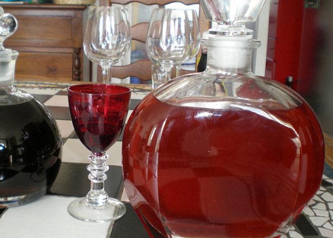 vino-iz-yagod-klubniki-s-dobavleniem-vody-2