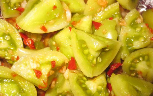 kak-zasolit-zelenye-pomidory-po-gruzinski-s-orexami