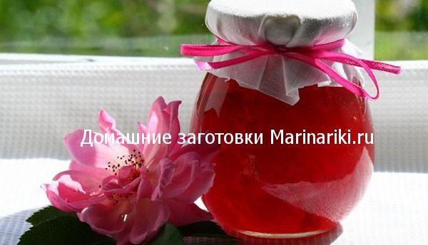 recepty-varenya-iz-roz-s-dobavkami